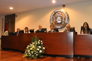 Signature officielle de l'Accord à l'UCE - Quito